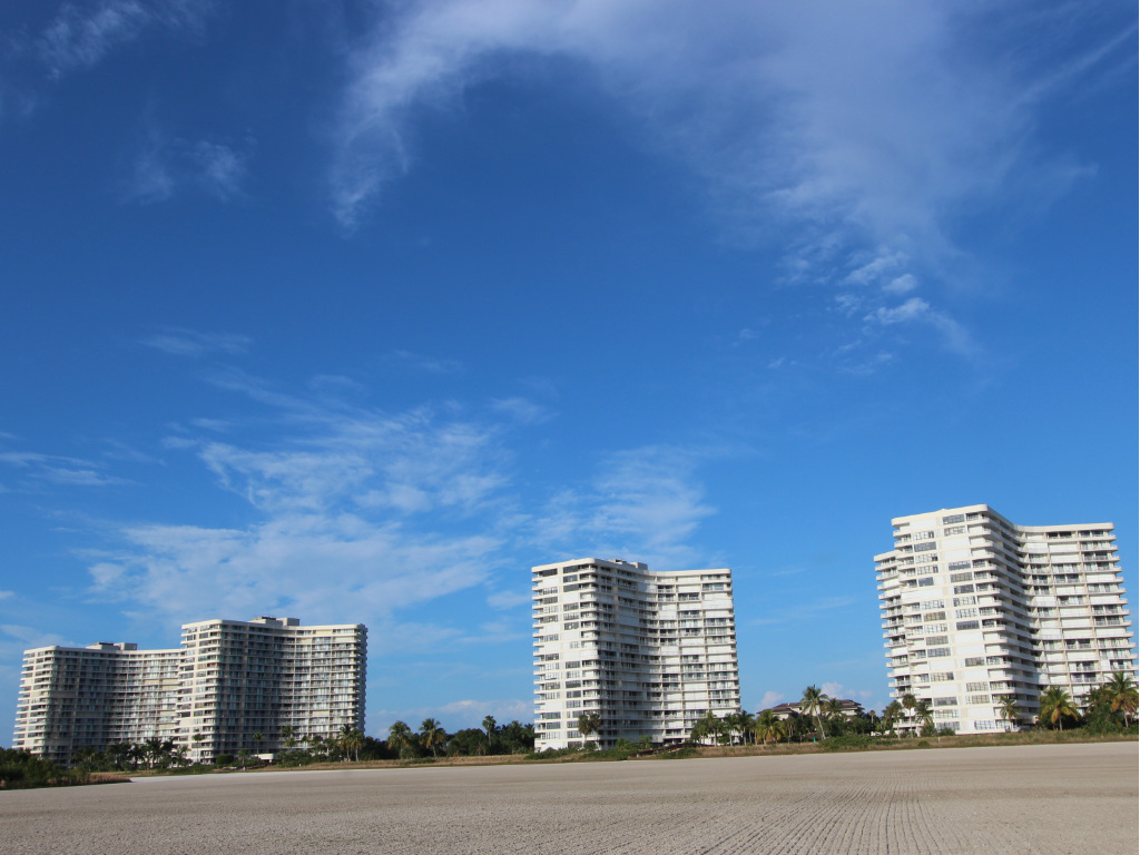 Beachfront Condos - South Seas Club - Marco Island Florida